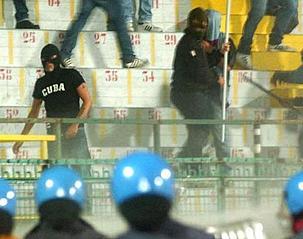 [Bild: Italien_fussball_ausschreitungen.jpg]